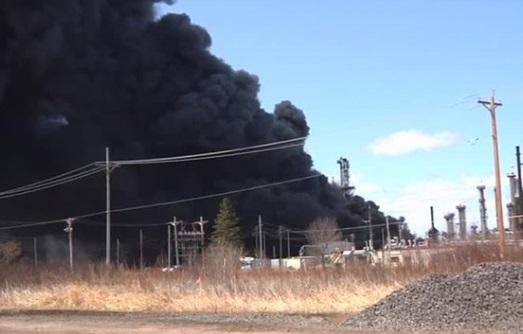 Nổ tại nhà máy lọc dầu ở Wisconsin – ít nhất 20 người bị thương