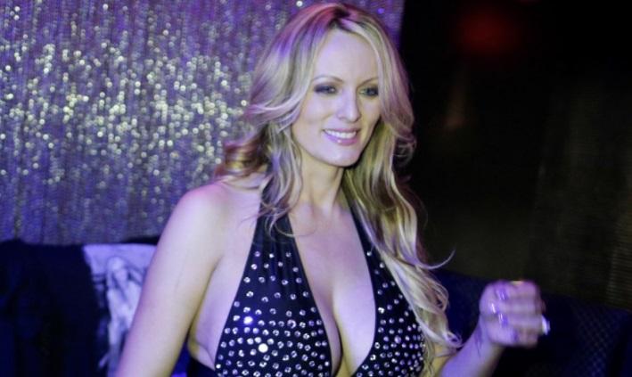 Luật sư riêng của tổng thống Trump muốn ngôi sao khiêu dâm đưa đơn kiện sang tòa trọng tài