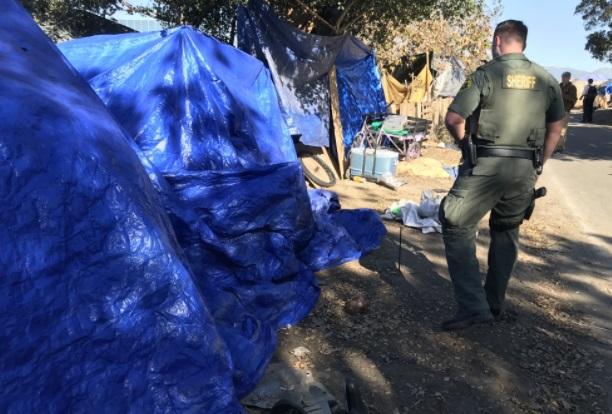 Khủng hoảng người vô gia cư ở Quận Cam Nam Cali