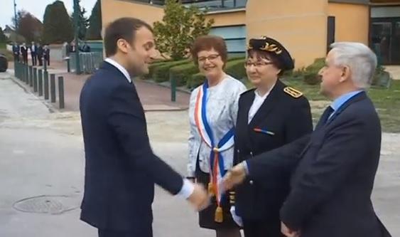 Tổng thống Pháp cam kết tiếp tục chính sách cải cách bất chấp đình công