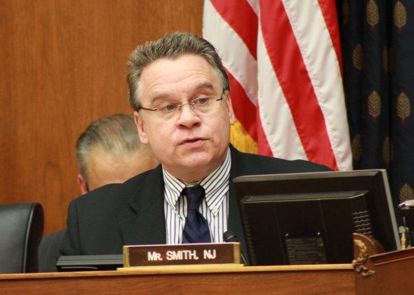 Dân biểu Chris Smith đả kích CSVN đàn áp tôn giáo