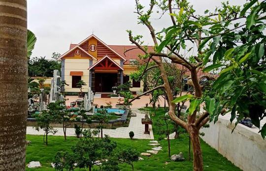 Đại ý công an huyện ở Thanh Hóa buộc phải tháo dỡ biệt thự xa hoa