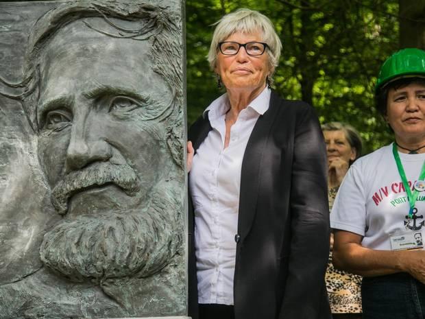 Khánh thành tượng đài ân nhân người Việt tị nạn Rupert Neudeck ở Đức