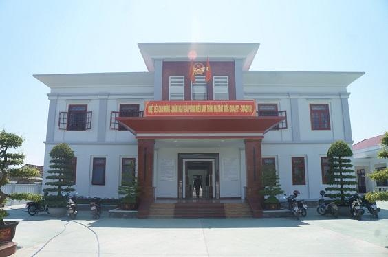 Quảng Nam choáng ngợp trước trụ sở ủy ban xã trị giá gần 1 triệu Mỹ kim