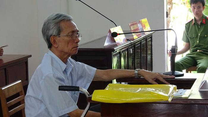 Gia đình nạn nhân ấu dâm kháng cáo đảng viên cộng sản hưởng án treo