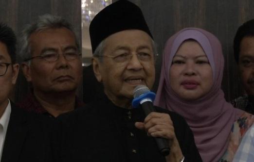 Tân thủ tướng Mã Lai sẵn sàng ân xá cựu thù chính trị Anwar Ibrahim