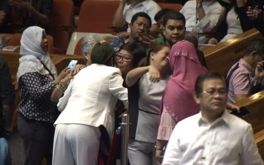 Quốc hội Philippines phê chuẩn dự luật tự trị cho các khu vực Hồi Giáo