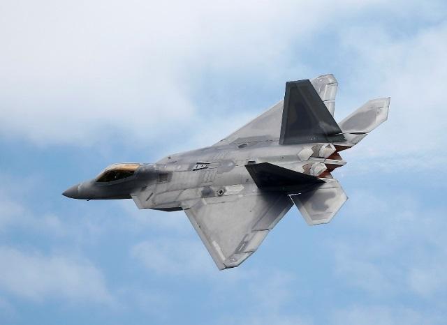 Chiến đấu cơ Mỹ chặn máy bay ném bom Nga trên không phận quốc tế ngoài khơi Alaska