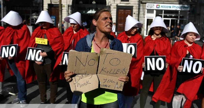 Ái Nhĩ Lan chấm dứt lệnh cấm phá thai với kết quả khảo sát đầy áp đảo