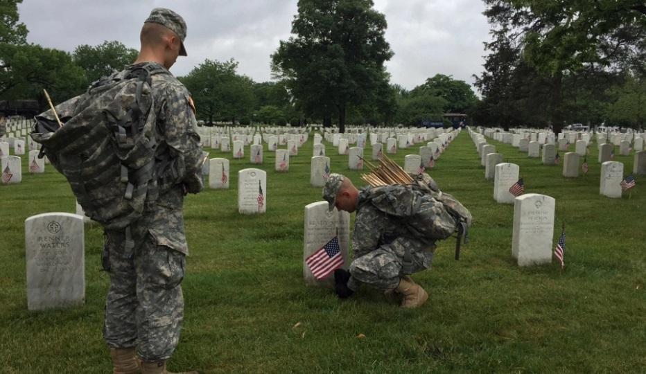 Ngày Tưởng Niệm Chiến Sĩ Trận Vong (Memorial Day) trên khắp đất nước