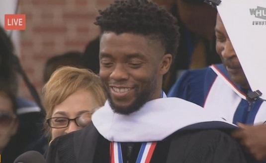 """Ngôi sao phim """"Black Panther"""" đọc diễn văn tại buổi lễ tốt nghiệp đại học Howard"""