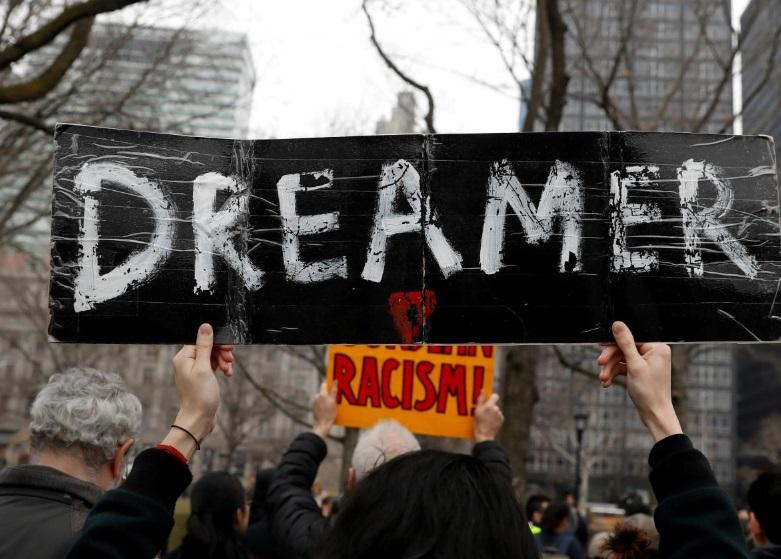 Di dân yêu cầu tòa án liên bang xem xét quyền lợi sau khi Texas chấm dứt chương trình DACA