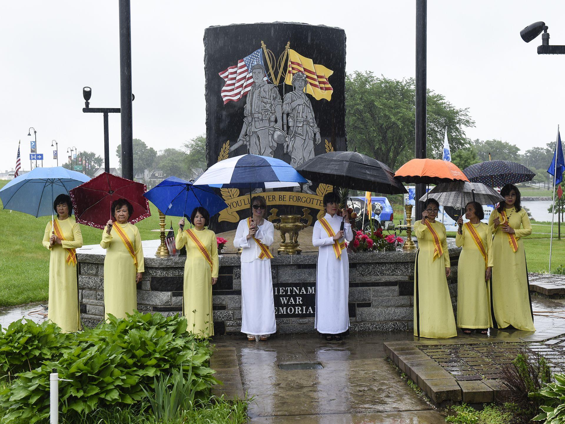 Nghi lễ vinh danh chiến sĩ Việt-Mỹ tại St. Cloud, Minnesota