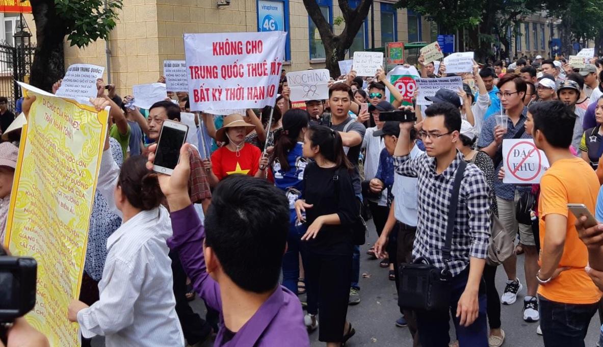 Công an Hà Nội đàn áp biểu tình chống luật đặc khu