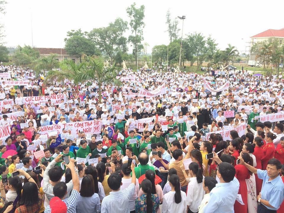 Tiếp tục biểu tình tại Nghệ An và Hà Tĩnh phản đối luật đặc khu và an ninh mạng