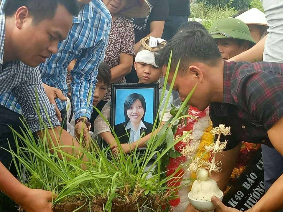 Nữ phóng viên chết trôi trên sông Hồng 10 ngày công an chưa điều tra