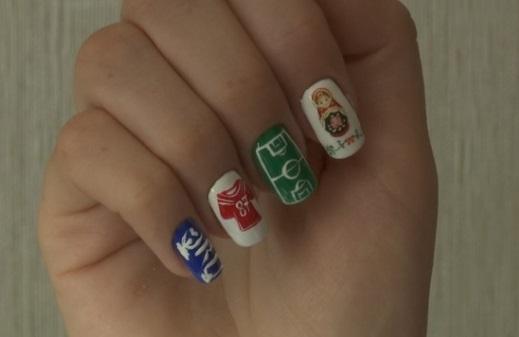 """Thợ làm nail ăn theo """"world cup"""" bằng cách vẽ quốc kỳ các đội tuyển"""