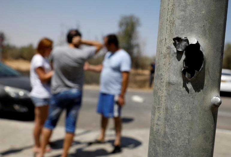 Israel trả đũa sau khi bị nhóm Hồi Giáo Hamas tấn công bằng hỏa tiễn