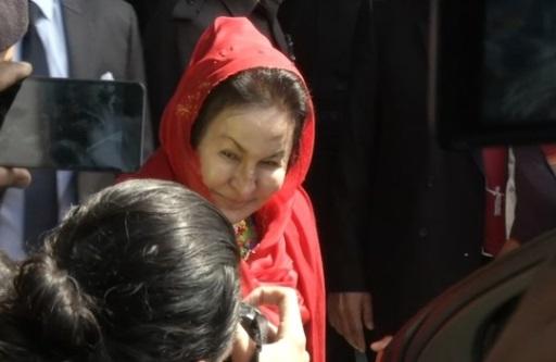 Vợ cựu thủ tướng Malaysia bị cơ quan chống tham nhũng thẩm vấn 5 giờ