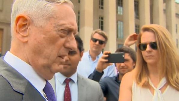 Bộ Trưởng Quốc Phòng Hoa Kỳ đến thăm Trung Cộng trong bối cảnh căng thẳng ở Biển Đông