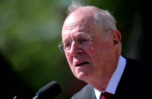 Thẩm Phán Anthony Kennedy nghỉ hưu khiến cộng đồng cấp tiến và đồng tính hoang mang