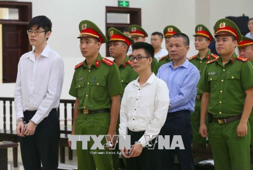 Y án đối với 3 nhà hoạt động nhân quyền của Phong Trào Chấn Hưng Nước Việt