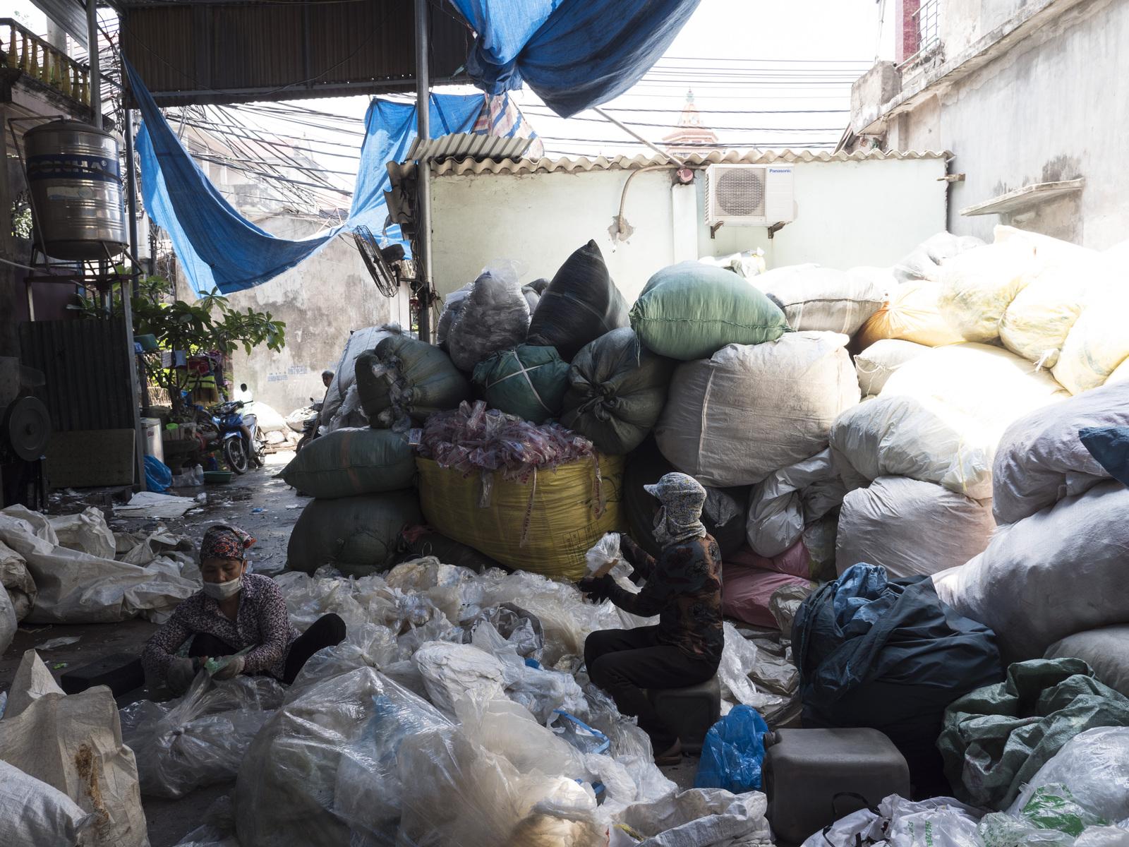 Việt nam hạn chế nhập phế liệu do ứ đọng rác tại các hải cảng