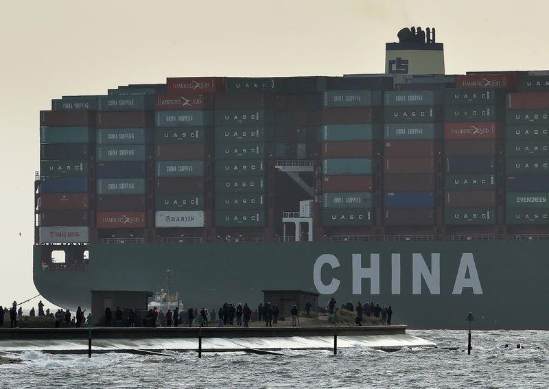 Việt Nam thâm hụt thương mại 300 triệu Mỹ kim trong tháng 7