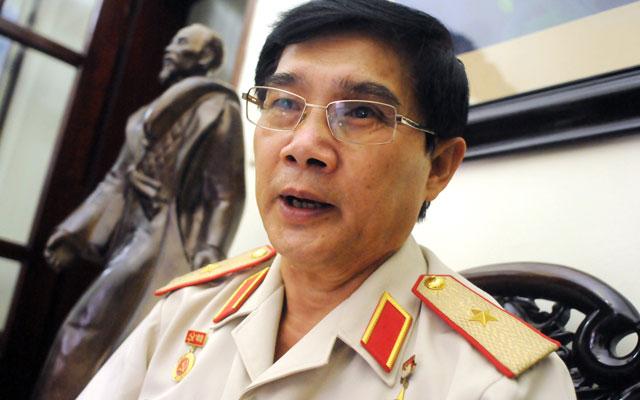 Hai tướng CSVN tranh cãi trên mạng xã hội về sách Gạc Ma