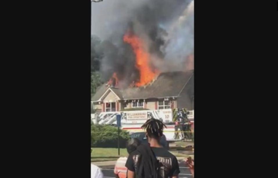 Trực thăng lao vào nhà dân ở Virginia, một người thiệt mạng