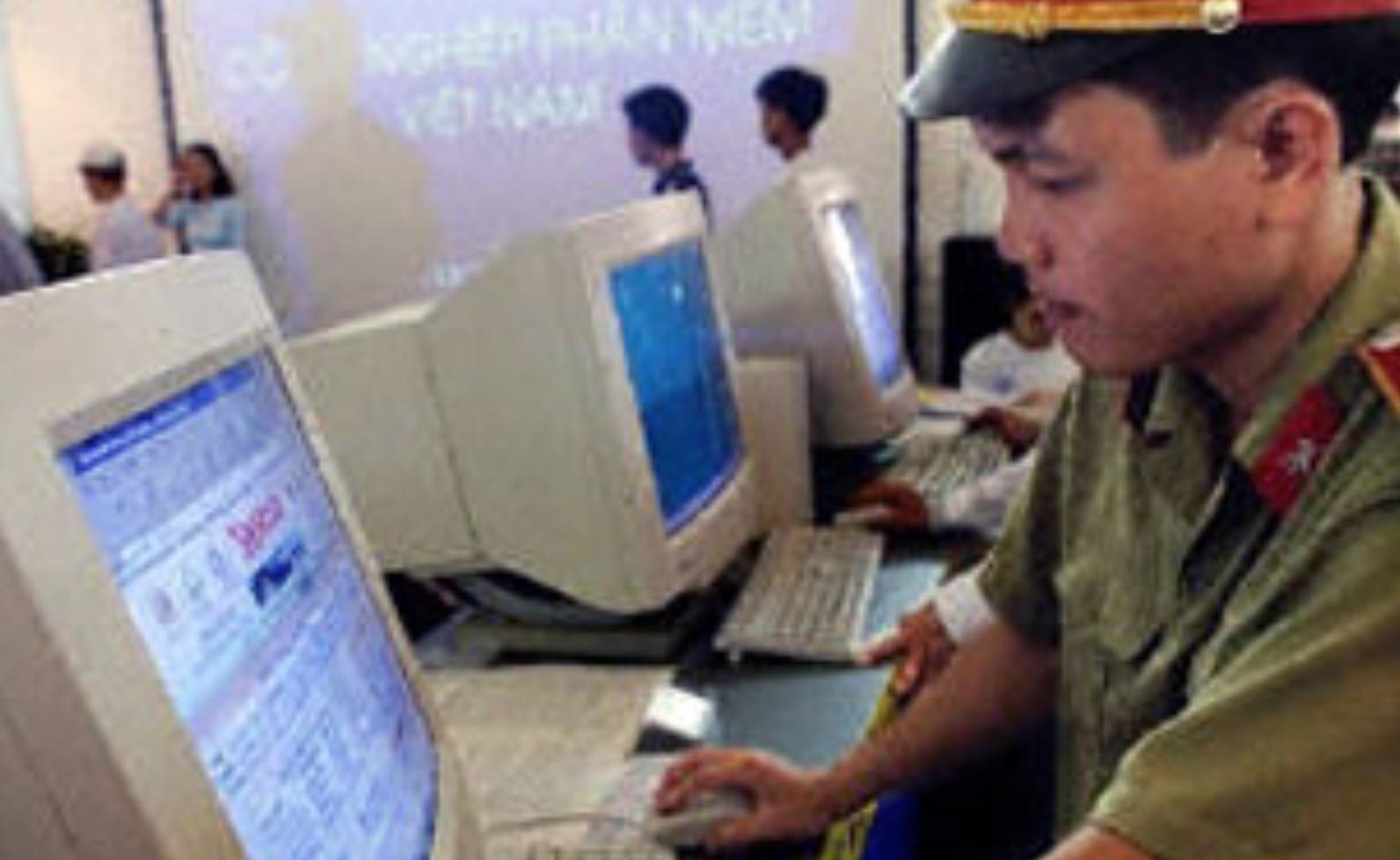 17 dân biểu Hoa Kỳ hối thúc Google, Facebook chống lại luật an ninh mạng