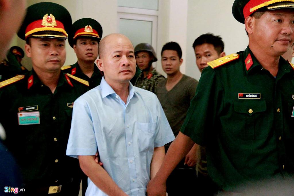 """Trùm BOT thượng tá quân đội CSVN """"Út Trọc"""" bị tuyên án 12 năm tù"""