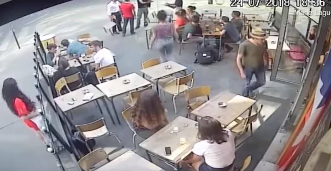 Pháp điều tra việc một phụ nữ bị hành hung trên đường vì phản đối hành động tán tỉnh