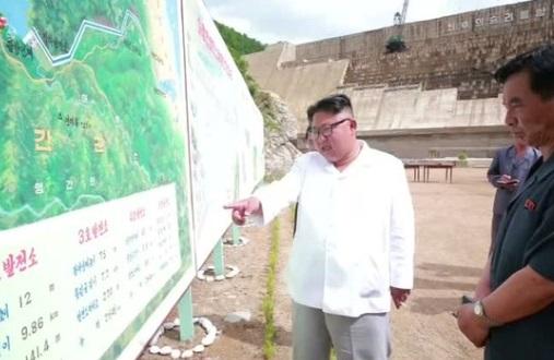 Kim Jong-Un nổi giận vì việc xây dựng một nhà máy điện chưa hoàn thành