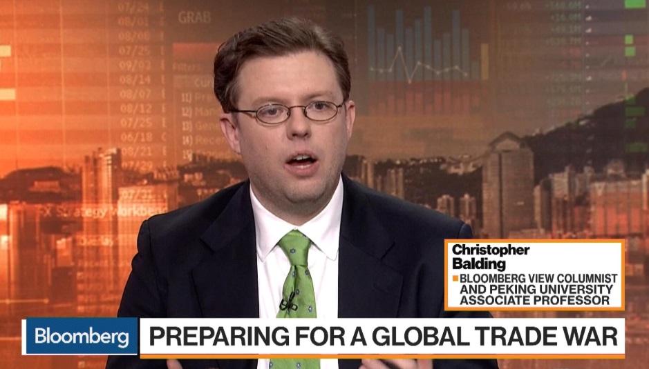 Giáo sư kiêm nhà phê bình Mỹ Christopher Balding bị đại học Trung Cộng sa thải