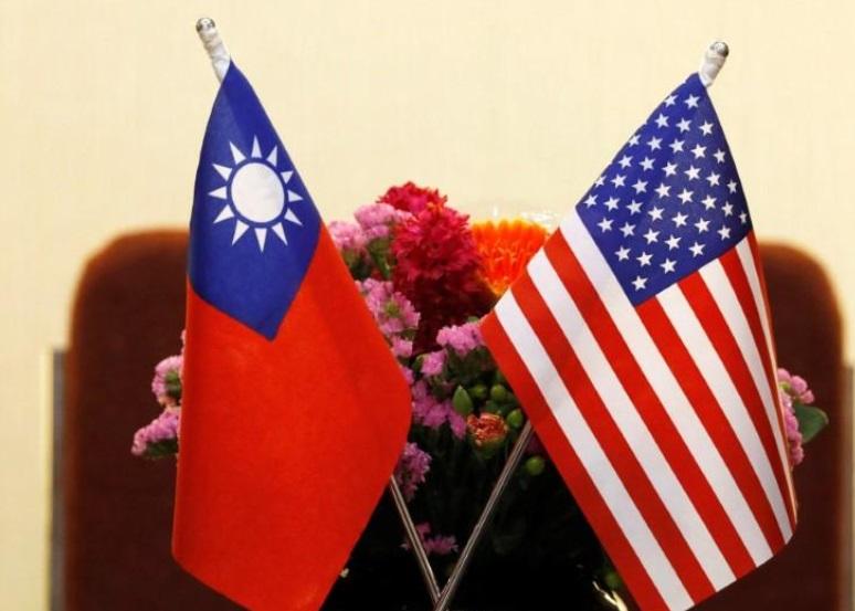 Chiến hạm Mỹ băng ngang eo biển Đài Loan giữa lúc căng thắng Trung Cộng