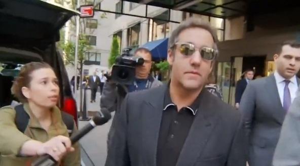Michael Cohen đã ghi âm cuộc thảo luận với ông Trump về việc trả tiền cho người mẫu Playboy