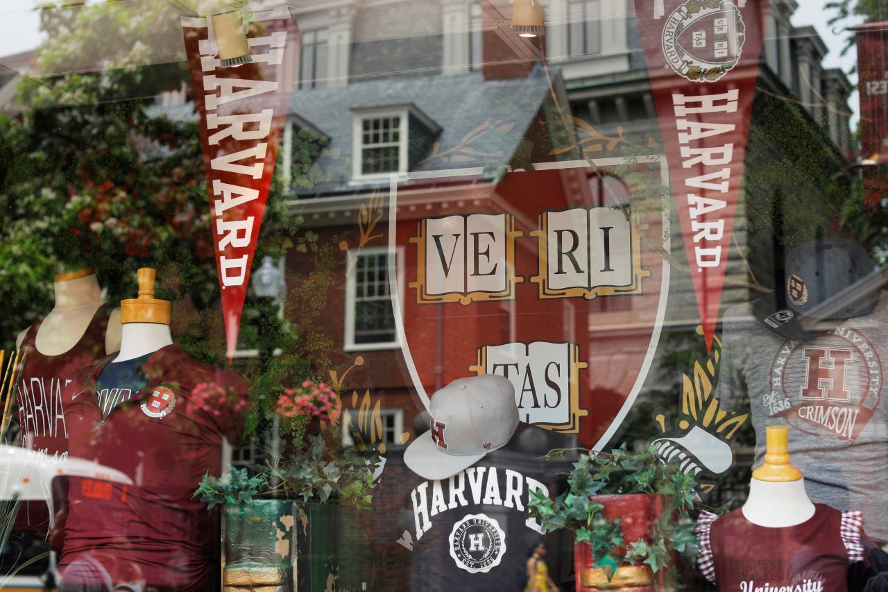 Bộ Tư Pháp: qui trình xét tuyển của trường Harvard bất lợi cho sinh viên gốc Á