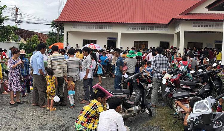 Hàng ngàn người Việt ở Cambodia gia hạn quy chế di dân hợp pháp