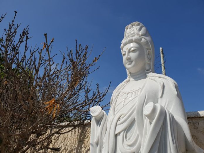 Bắt được nữ nghi can gốc Việt phá hàng loạt chùa ở Santa Ana