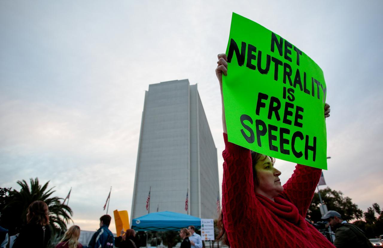 22 tiểu bang và D.C kêu gọi tòa án duy trì internet trung lập