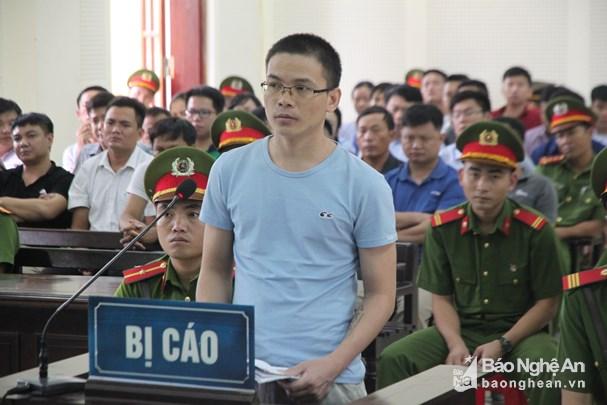 Tòa phúc thẩm giảm 1 năm tù cho nhà hoạt động Nguyễn Viết Dũng