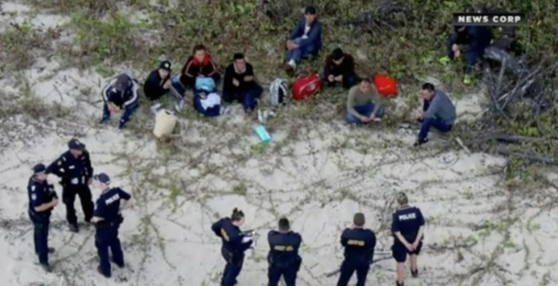 Úc thông báo bắt trọn nhóm người Việt tị nạn tấp thuyền vào bờ biển Queensland