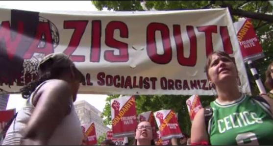 Cuộc tuần hành tự do ngôn luận thu hút các tổ chức có quan điểm đối nghịch