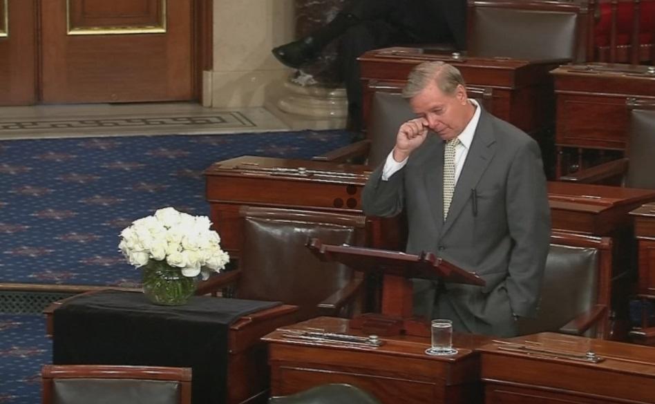 TNS Lindsey Graham tôn vinh người bạn quá cố John Mccain tại Thượng Viện