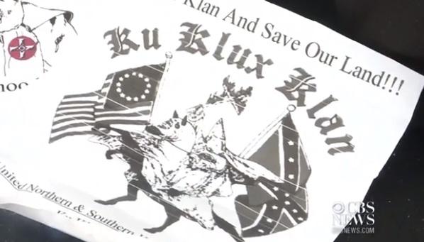 Thống Đốc New York mở cuộc điều tra về truyền đơn của nhóm Ku Klux Klan