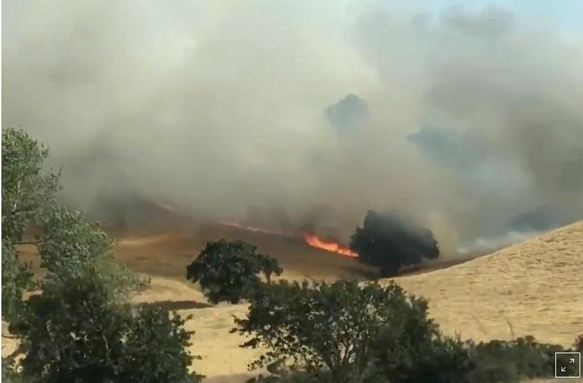 Hơn 100 đám cháy rừng lớn hoành hành trên khắp Hoa Kỳ