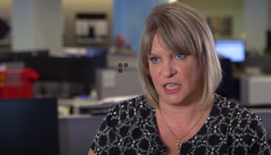 Bồi thẩm viên Paula Duncan khuyên tổng thống Trump không nên ký lệnh ấn xá cho Manafort