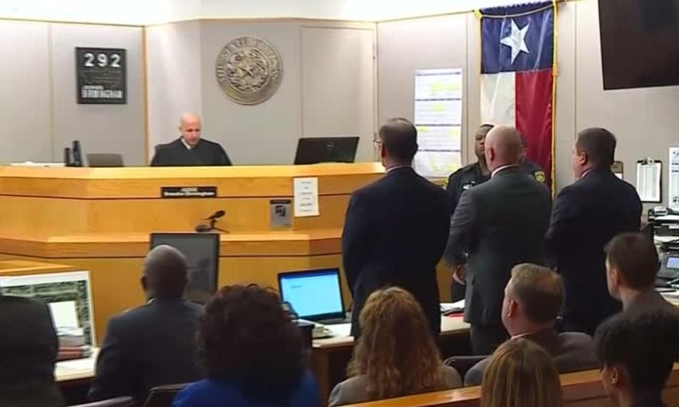 Cựu cảnh sát Texas bị kết tội giết người vì bắn chết một thiếu niên da đen