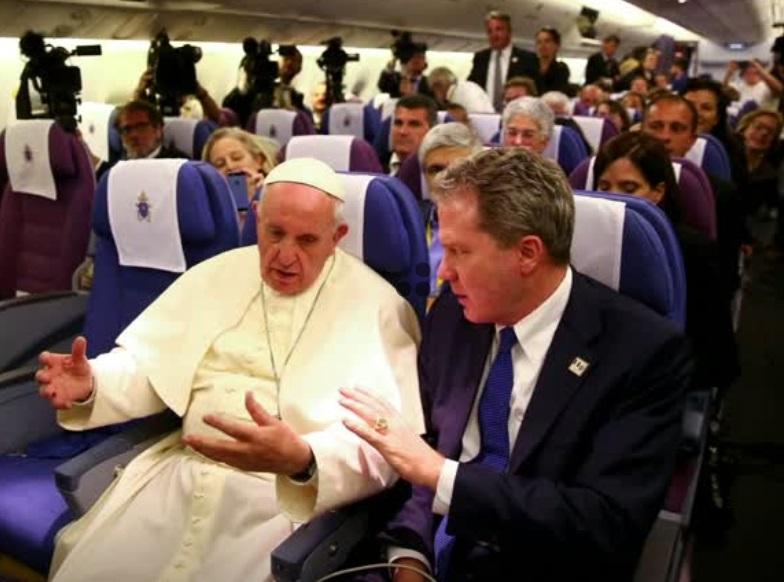 """Vatican """"xấu hổ và đau buồn""""  vì vụ linh mục lạm dụng tình dục trẻ em ở Pennsylvania"""